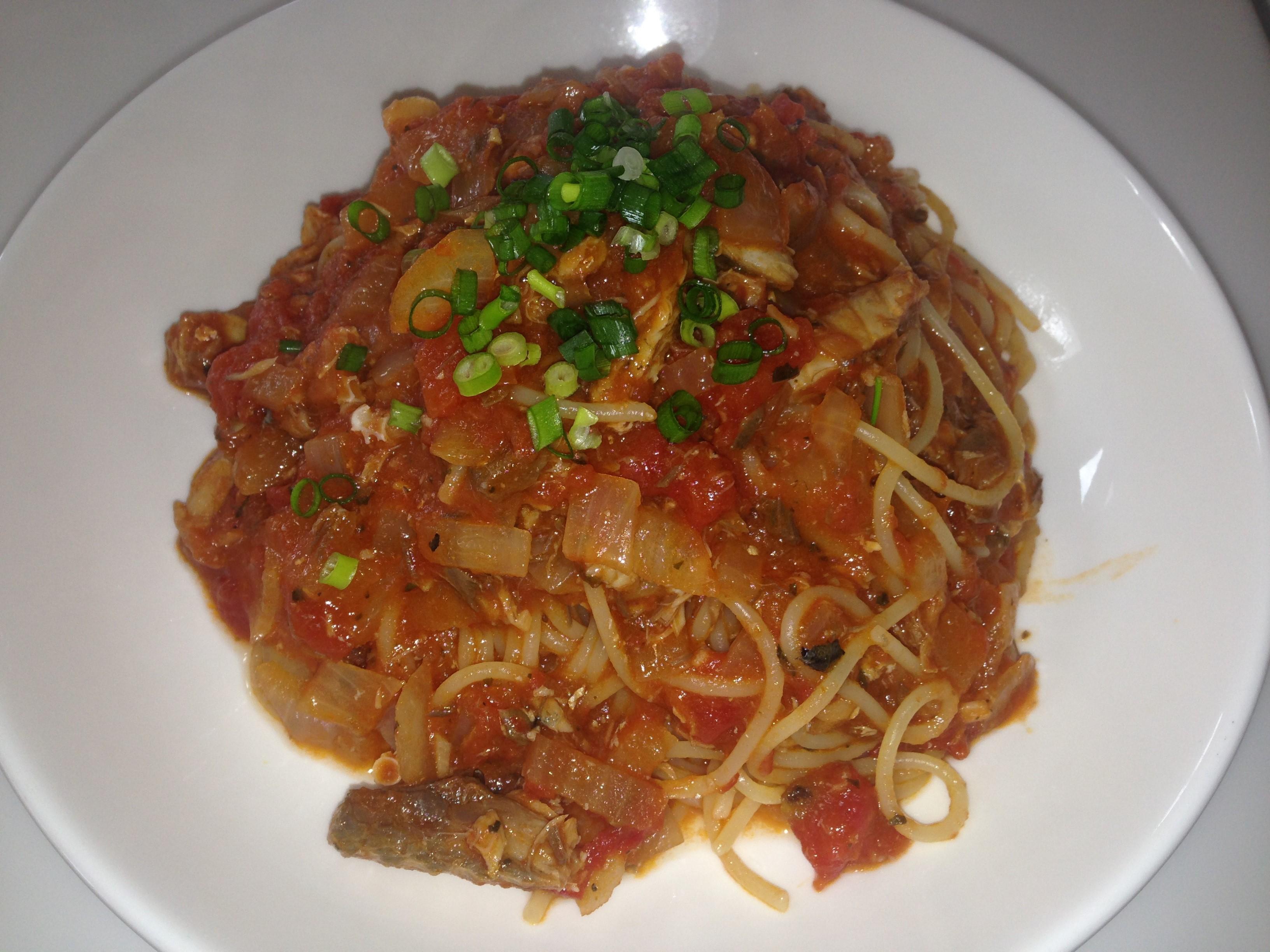 男の簡単料理 9皿目「鯖缶のトマトスパゲティ」