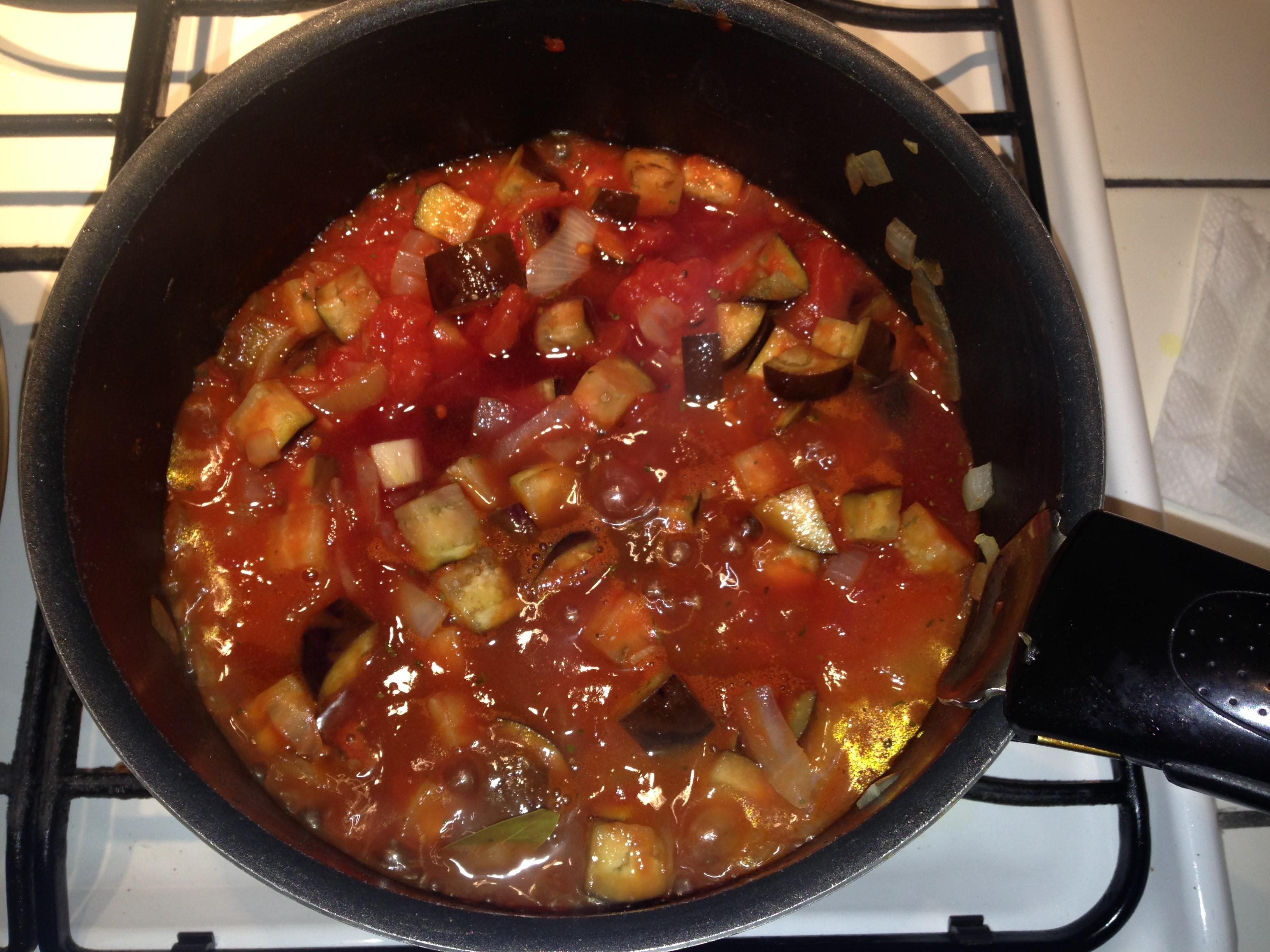 男の簡単料理 5皿目「トマトソース」