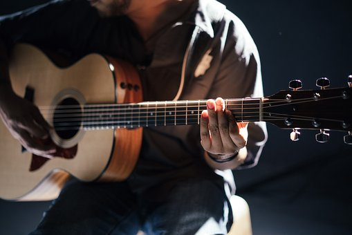 オヤジギター その5「S.yairi YM-02についてのプロギタリストの評価は?」