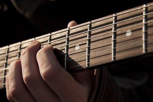 """オヤジギター その10「ギター初心者のワタシが最初に覚えたコードは""""CM7""""と""""Em""""」"""