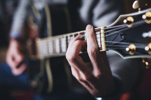 オヤジギター その16「『バレーコード』に立ち向かう初心者はどうやって練習する?」